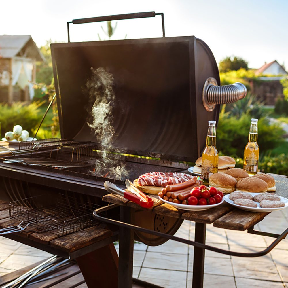 12 Tips For Planning The Ultimate Backyard Barbecue