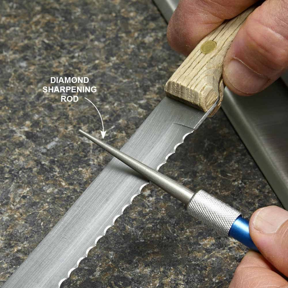 Sharpen Serrated Knives With a Diamond Sharpening Steel