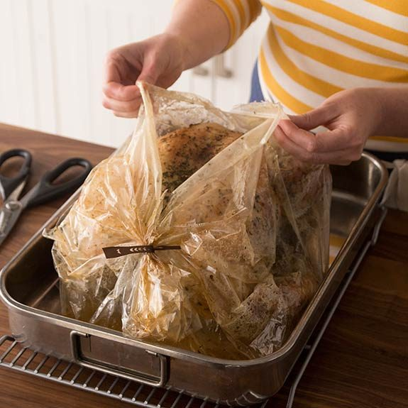 Turkey that has been made in a roasting bag.