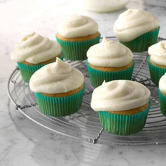 How to Make Buttercream Frosting in 10 Minutes (or Less!)