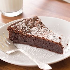 How to Make Flourless Chocolate Cake as Good as a Restaurant's