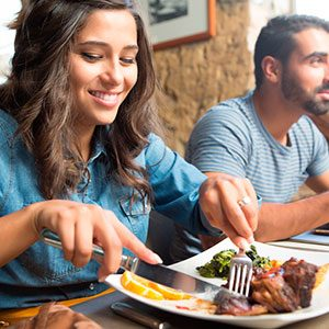 12 Super Savvy Ways to Save Money at Restaurants