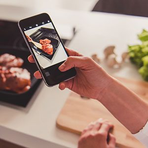 10 Ways Clever Cooks Use Smartphones in the Kitchen