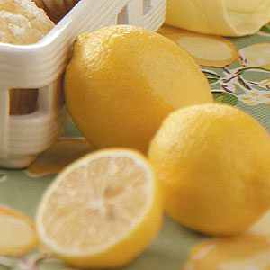 Tips for Picking, Peeling & Juicing Lemons