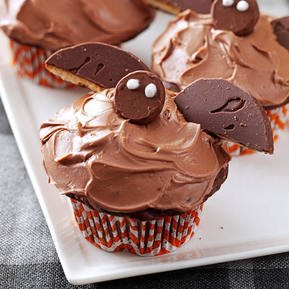 Bat cupcakes recipe taste of home for Easy halloween cakes to make at home