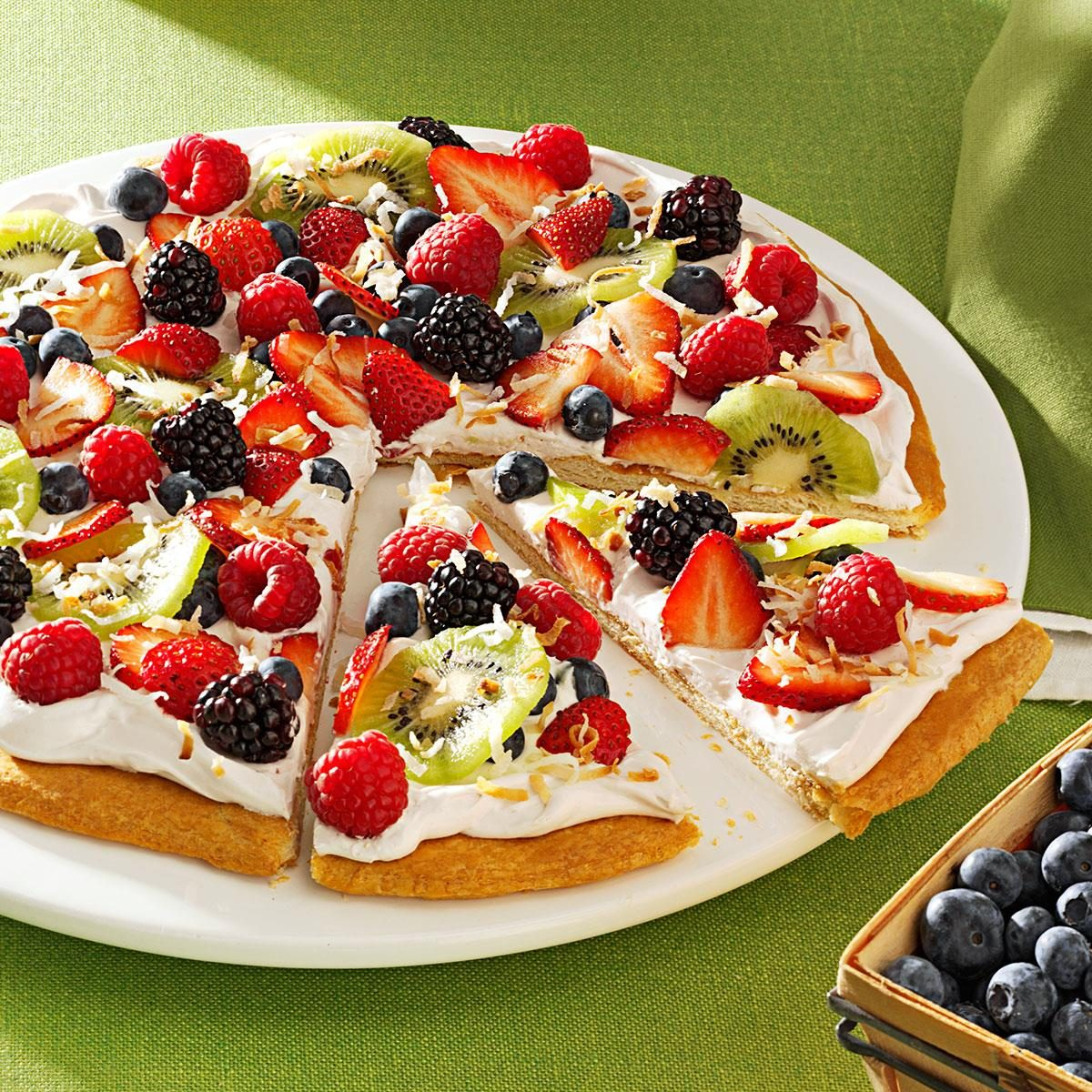 40 Easy Potluck Recipes For Your Graduation Party: Berries 'n' Cream Pizza Recipe