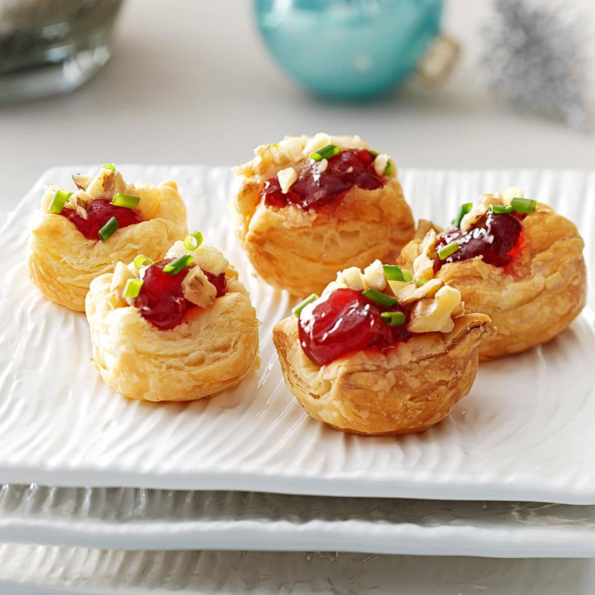Cheese puff pastry appetizers for Puff pastry canape ideas