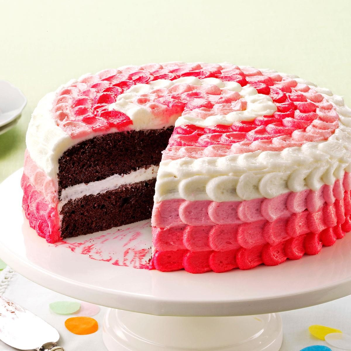 Cake with Buttercream Decorating Frosting Recipe Taste ...