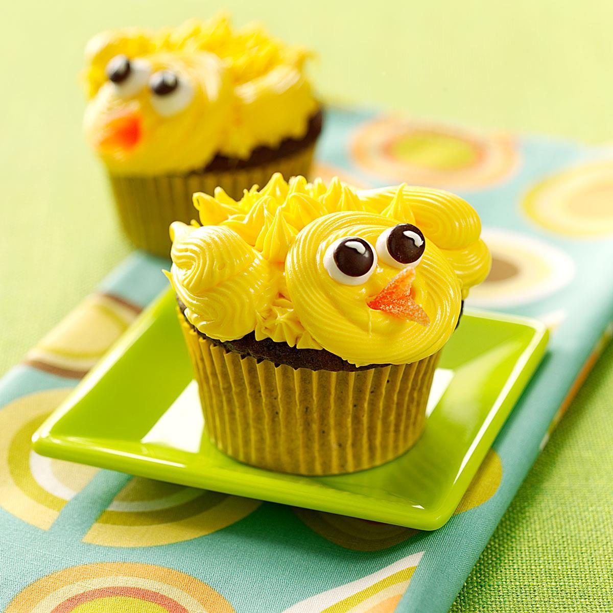 Chirpy chick cupcakes recipe taste of home for Cute cupcake decorating ideas for easter