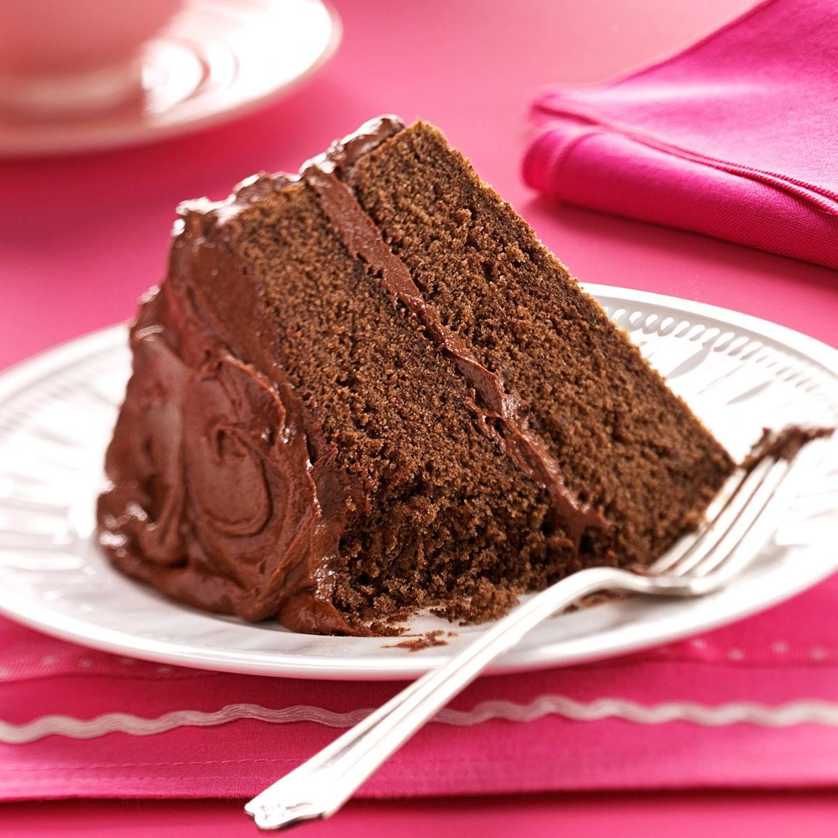 Devil 39 s food cake with chocolate fudge frosting recipe for Simple chocolate fudge cake