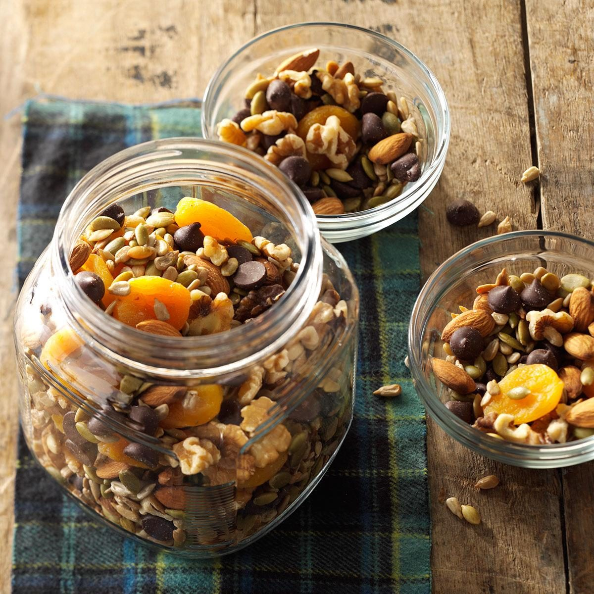 Top 10 Great Camping Recipes: Nuts And Seeds Trail Mix Recipe