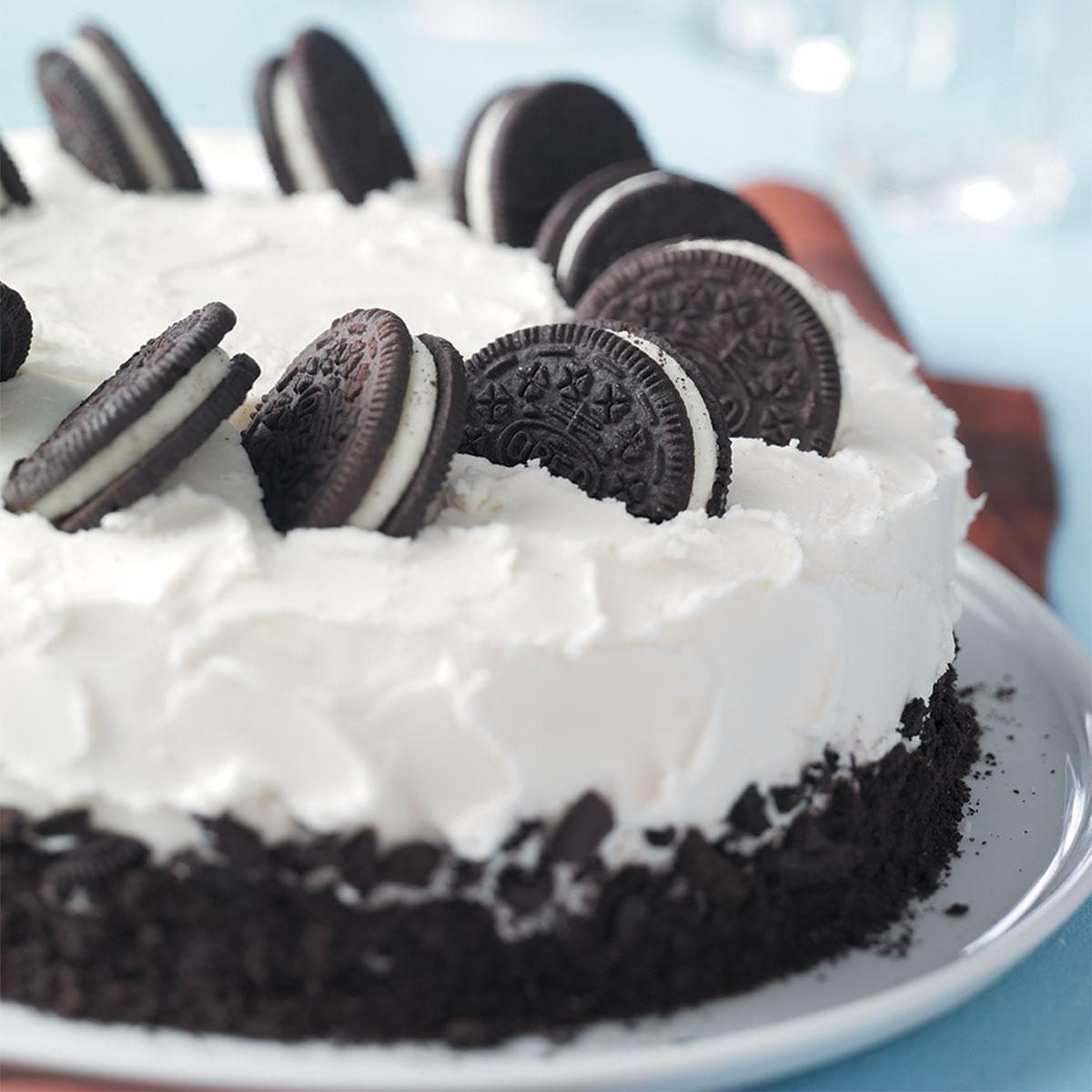 Oreo Cake Decorating
