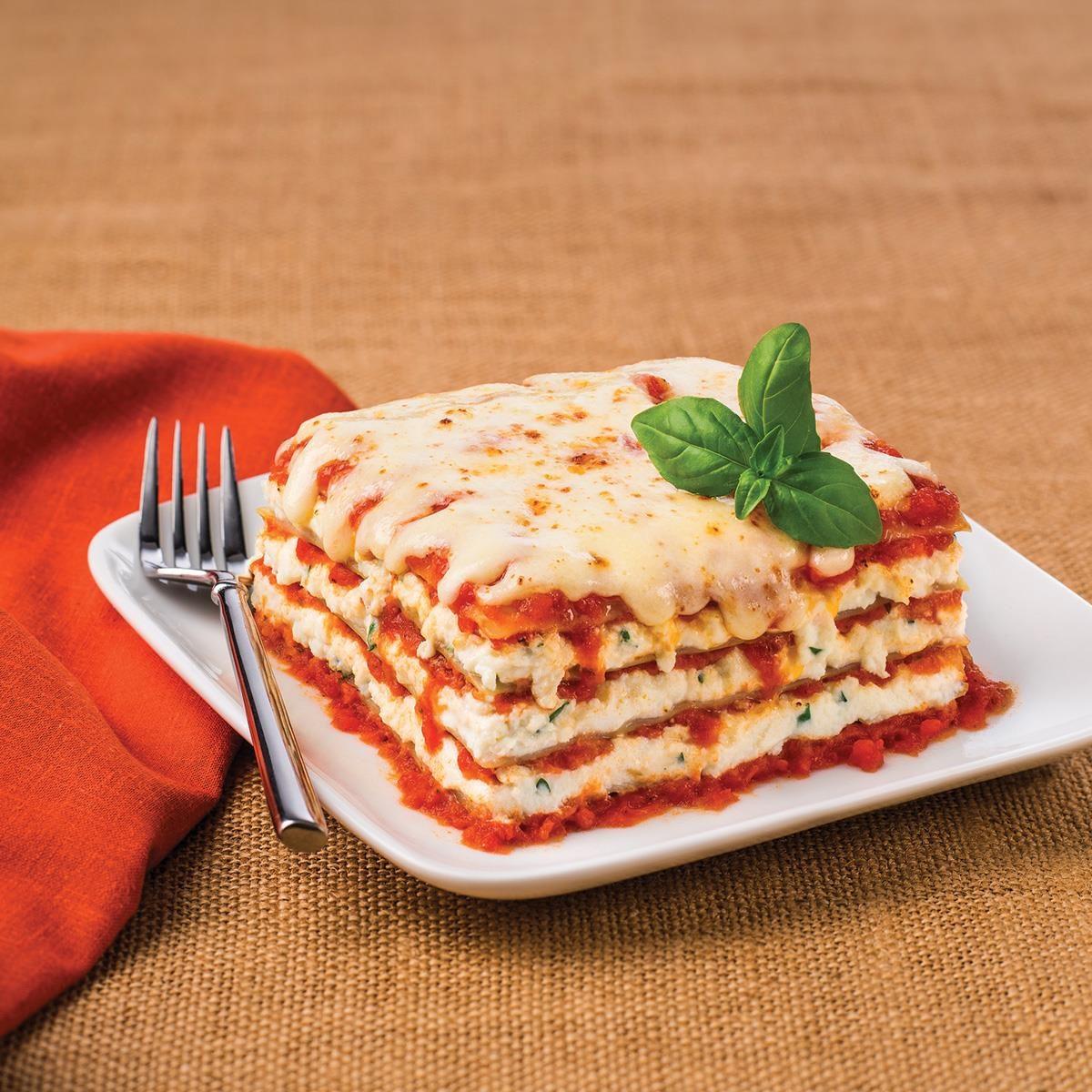 Classic Lasagne Classic Cheese Lasagna Recipe Taste Of Home