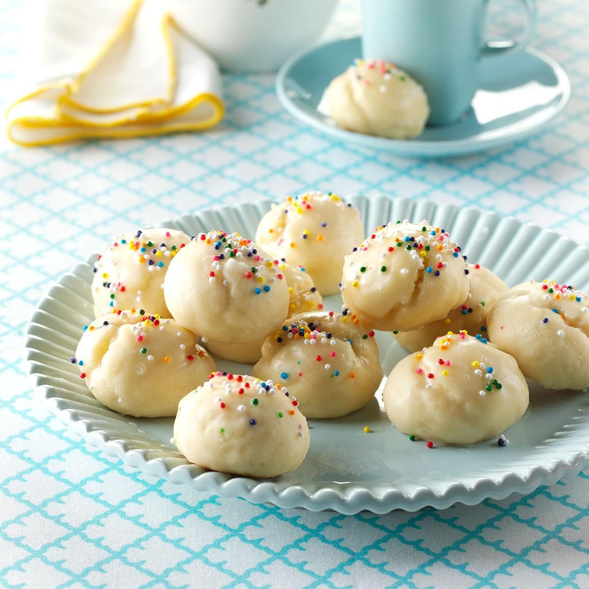 Easy Italian Desserts For A Crowd: Italian Sprinkle Cookies Recipe