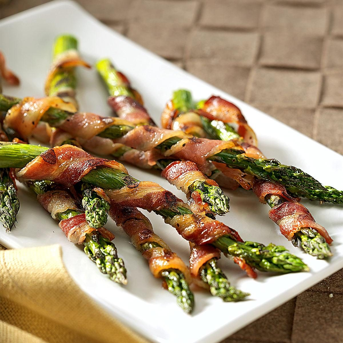 Bacon wrapped asparagus recipe taste of home for Side dish recipes for grilling out