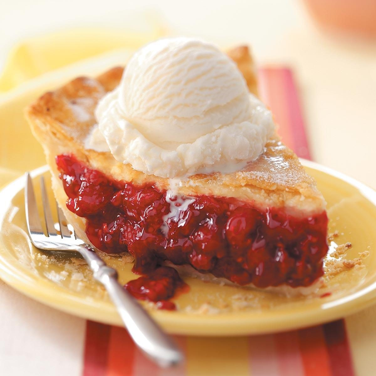 Best Old Fashioned Raspberry Pie