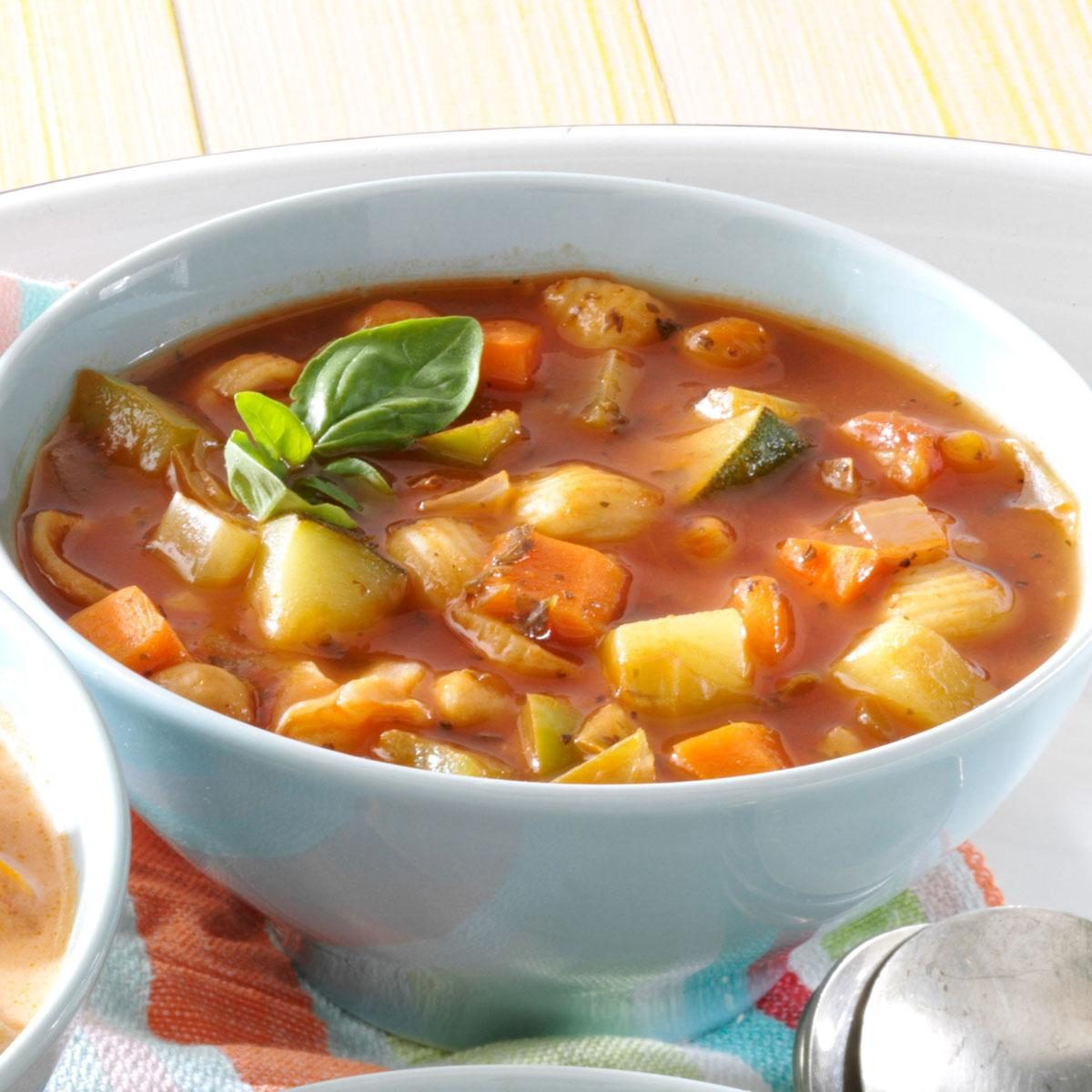 Hearty Meatless Minestrone Recipe