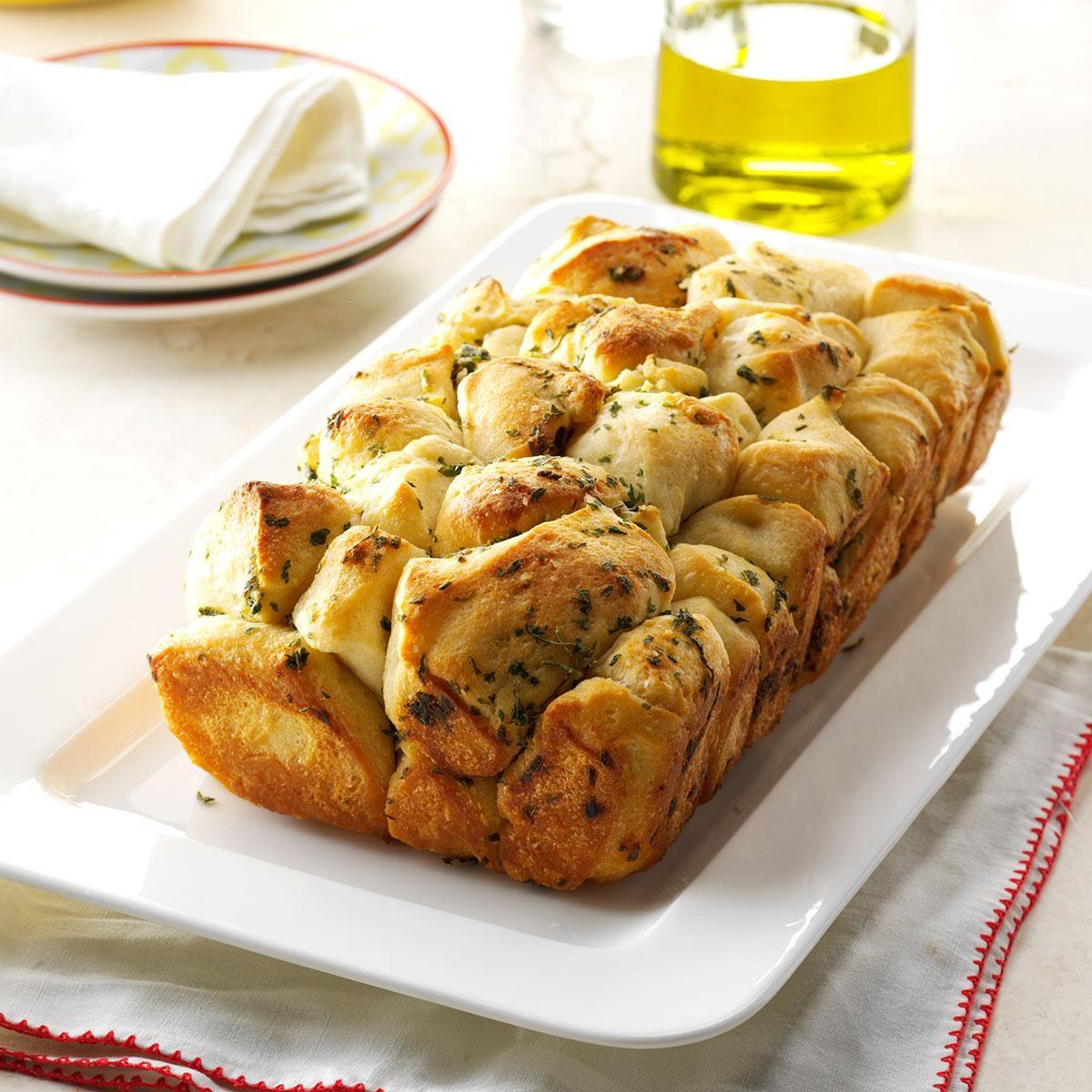 Pull-Apart Garlic Bread Recipe
