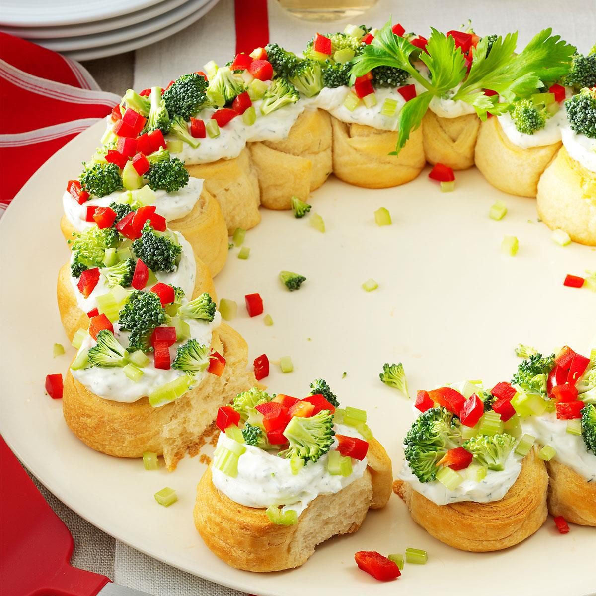 Christmas Party Hors D Oeuvres Ideas Part - 24: Appetizer Wreath