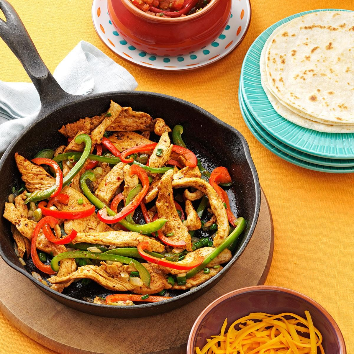 Flavorful chicken fajitas recipe taste of home for Cuisine to go