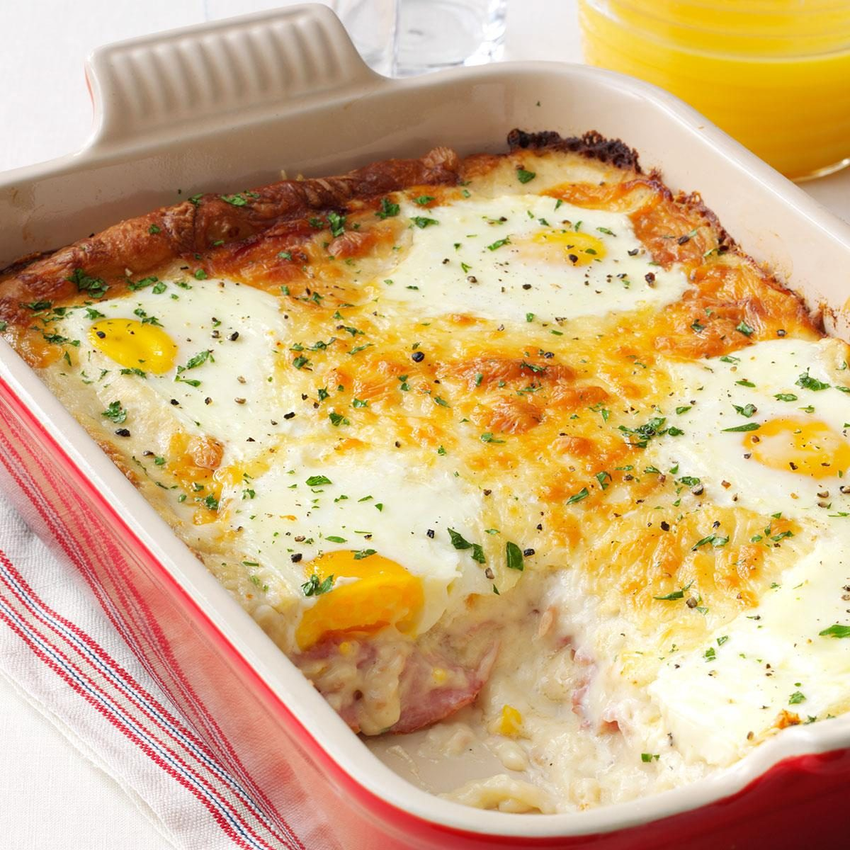 Recipes For Egg Bake Dishes: Ham, Egg & Cheese Casserole Recipe
