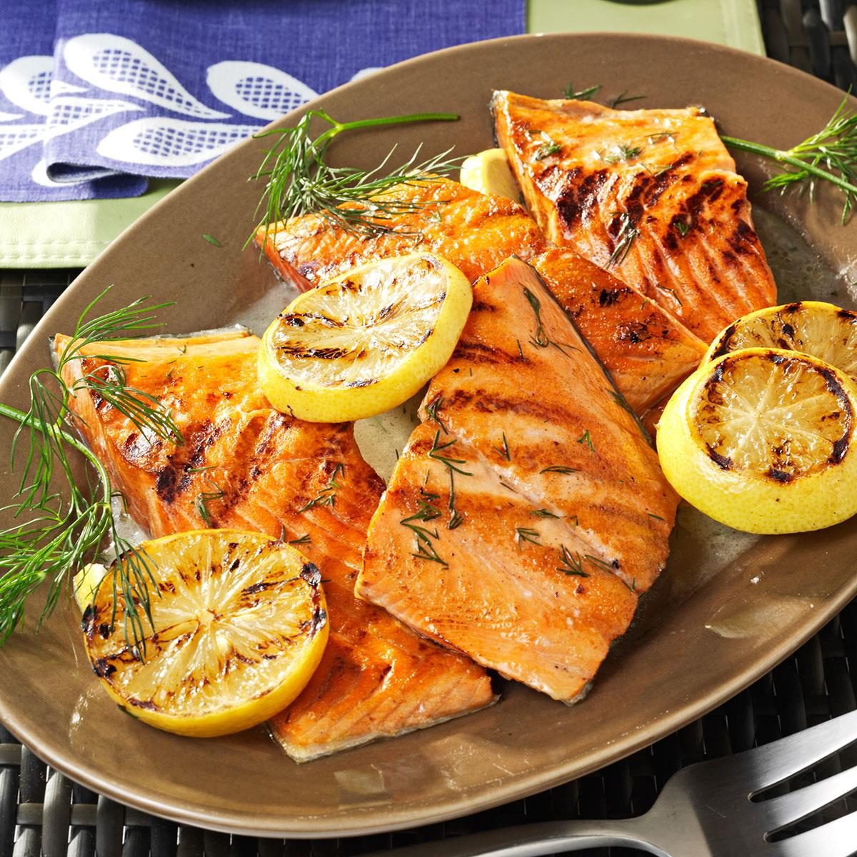 Lemony grilled salmon fillets with dill sauce recipe for How to grill fish fillet