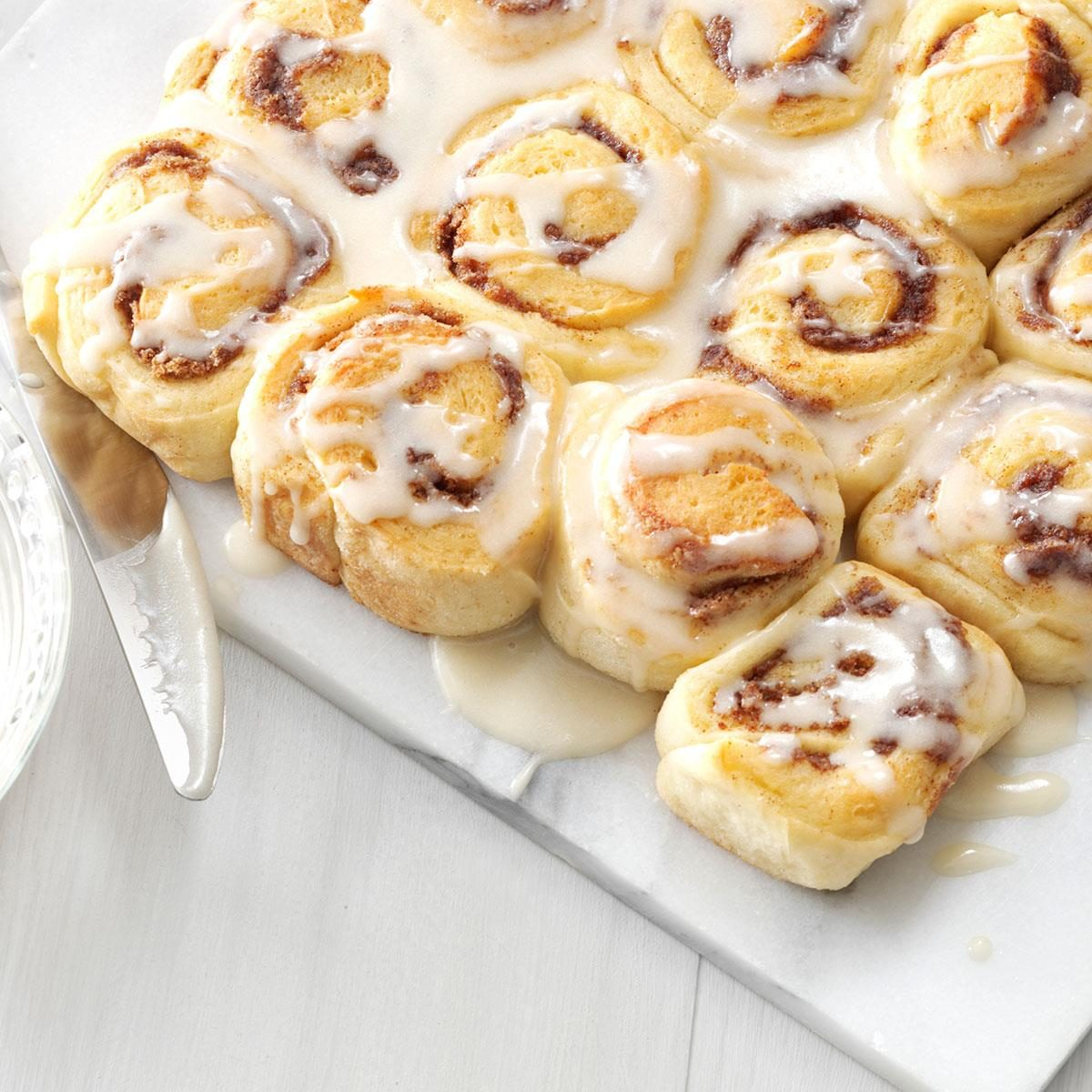 Wcg two cinnamon buns - 1 4