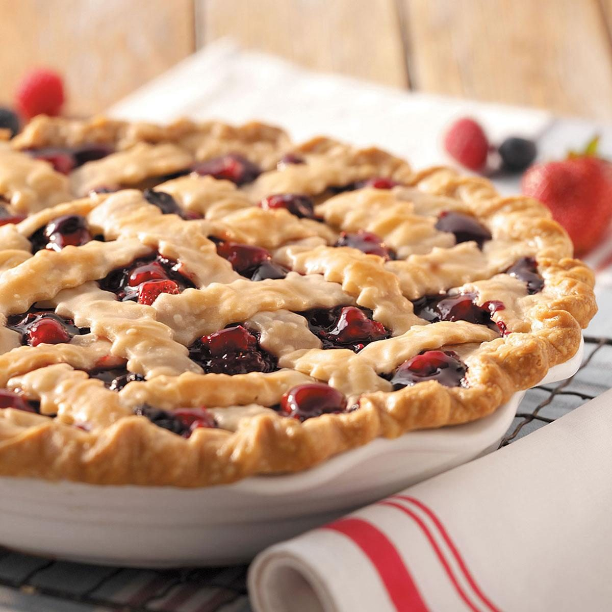 Frozen Mixed Berry Cake Recipe