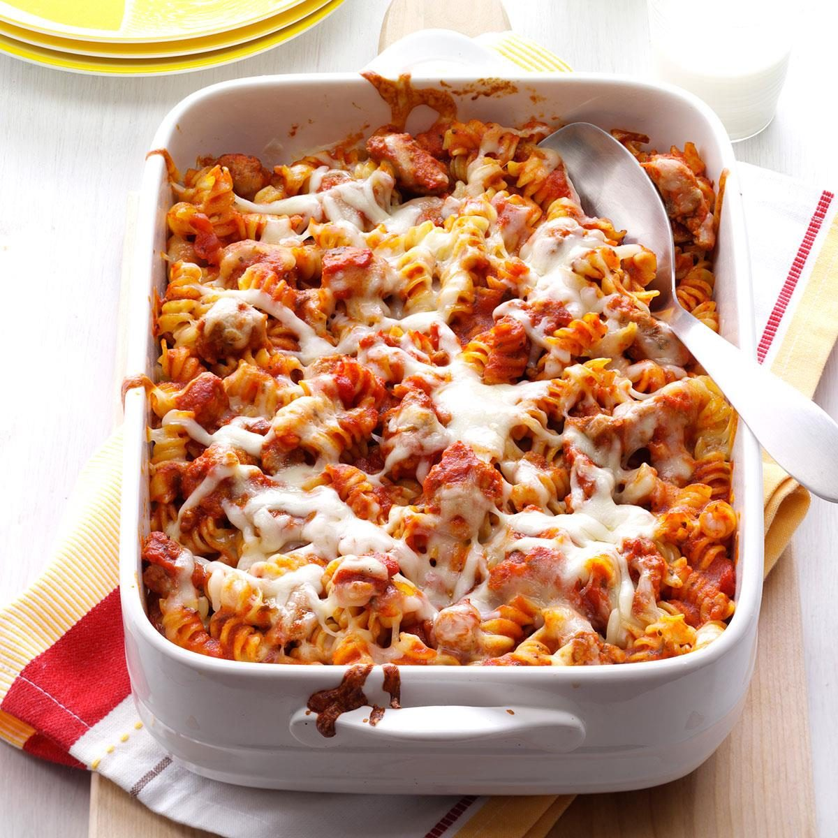 Try one of our top-rated potluck recipes which are sure to please your guests. Our potluck ideas include appetizer, sides, mains, and delicious desserts!