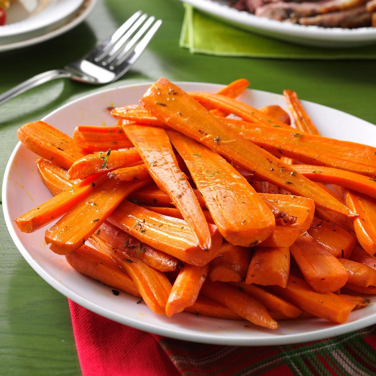 Thyme-Roasted Carrots Recipe | Taste of Home