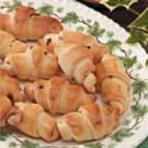 Bacon-Onion Crescent Buns
