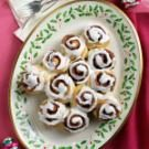 Cinnamon-Roll Christmas Tree