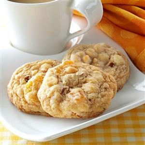 Apricot Almond Blondies