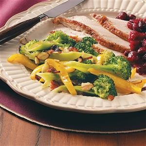 Bacon-Almond Broccoli Medley Recipe