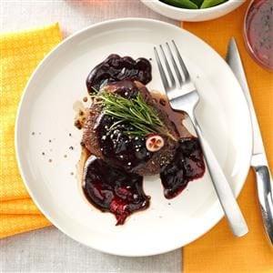 Beef Tenderloins with Cranberry Sauce Recipe