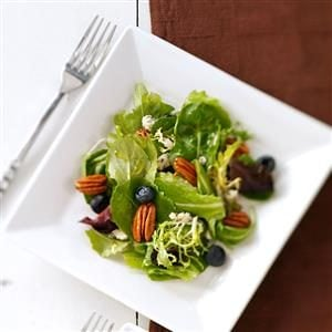 Blue Cheese & Berry Tossed Salad Recipe