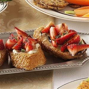 Brie-Berry Bruschetta Recipe