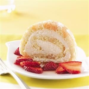 Cake Roll with Berries Recipe