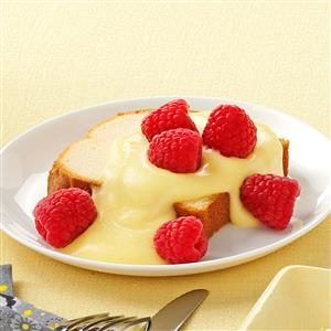 Cake with Lemon Sauce
