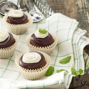 Chocolate-Mint Cookie Cups Recipe