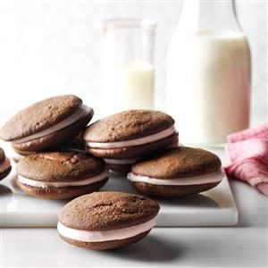 Chocolate-Raspberry Whoopie Pies Recipe