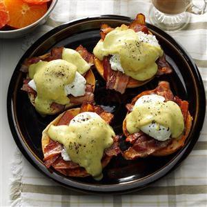 Creamy Pesto 'n Bacon Eggs Benedict Recipe