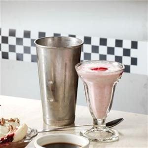 Creamy Strawberry Yogurt Shakes Recipe