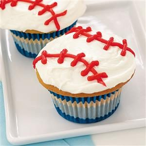 Sports Fanatic Lunch: Curveball Cupcakes