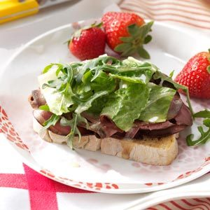 Open-Faced Roast Beef Sandwiches Recipe