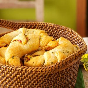 Basil & Sun-Dried Tomato Crescents Recipe