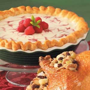 Raspberry Swirl Cheesecake Pie