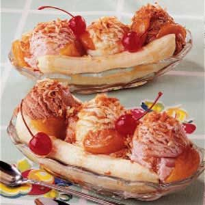 Peachy Banana Splits Recipe