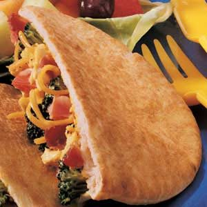 Picnic Chicken Pitas Recipe