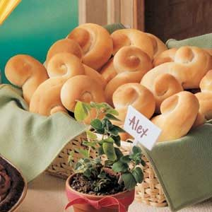 Golden Refrigerator Rolls Recipe